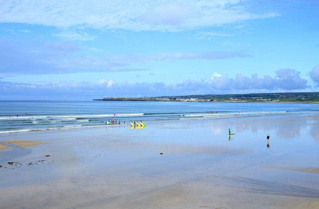 Surf-en-Irlanda-a-la-caza-de-las-mejores-olas-de-la-isla